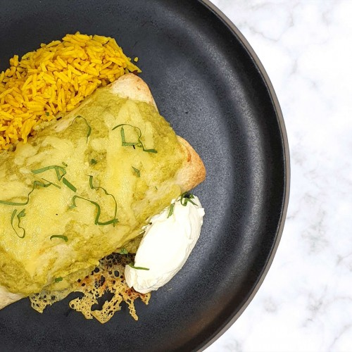 Pulled pork enchiladas w. salsa verde, sour cream & spiced rice